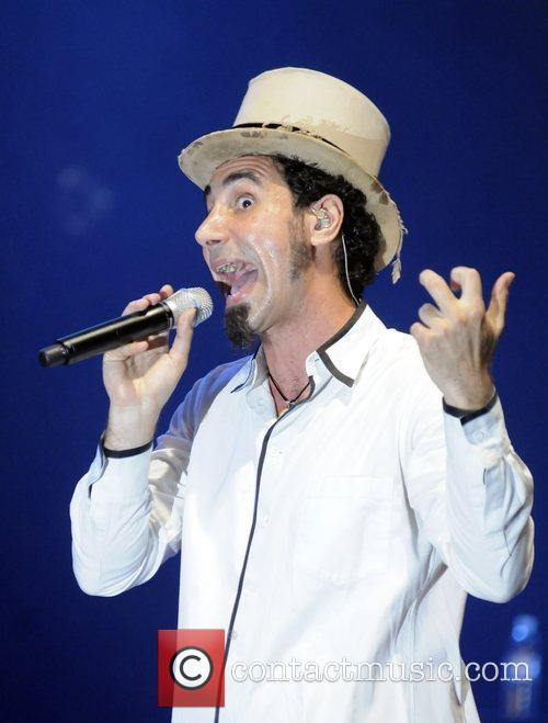 serj tankian performing live at the wiltern theatre in los angeles 2007331
