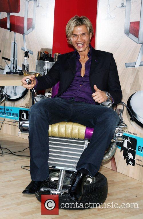 Kim Vo 'Shear Genius' Season 2 Launch in...