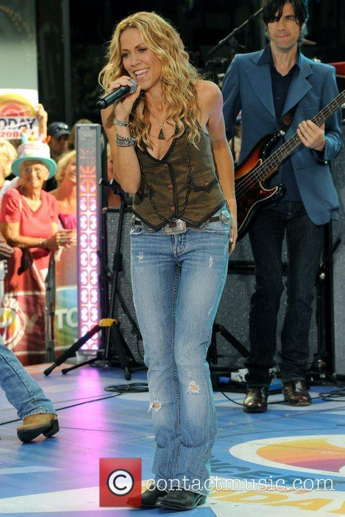 Sheryl Crow and Rockefeller Plaza 34
