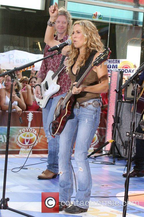Sheryl Crow and Rockefeller Plaza 19