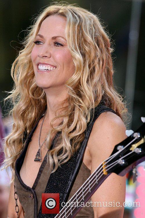 Sheryl Crow and Rockefeller Plaza 32