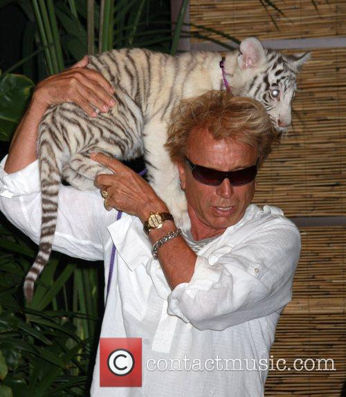 Siegfried Fischbacher and Star Siegfried and Roy announce...