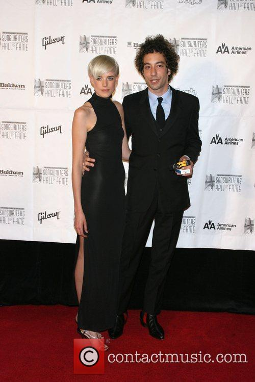 Agyness Deyn and Albert Hammond Jr. 3