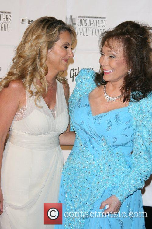 Lee Ann Womack and Loretta Lynn 6