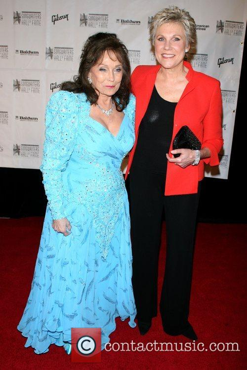 Loretta Lynn and Anne Murray 5