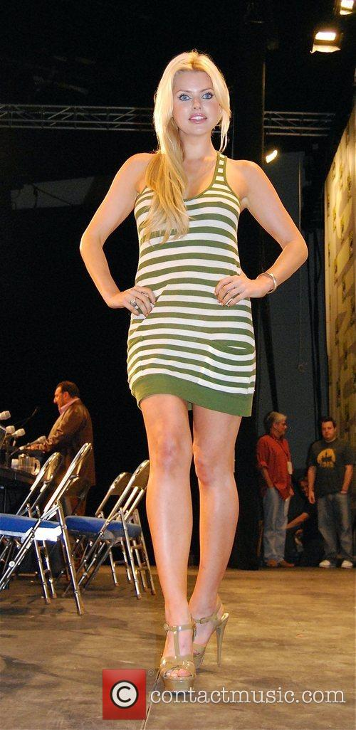 Sophie Monk 4