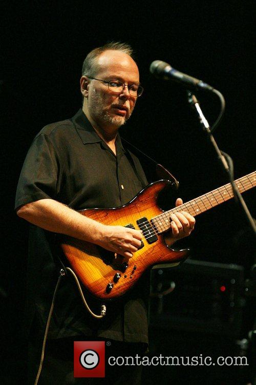 Musicians And Fans Mourn The Death Of Steely Dan Guitarist Walter Becker