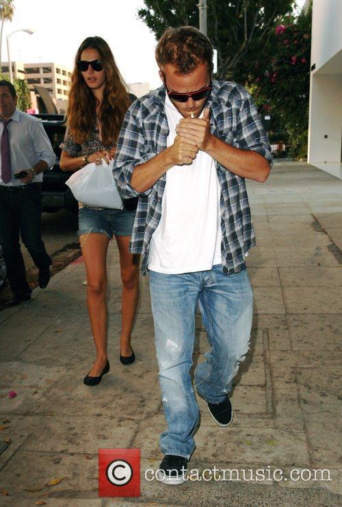 Stephen Dorff and His Girlfriend 3