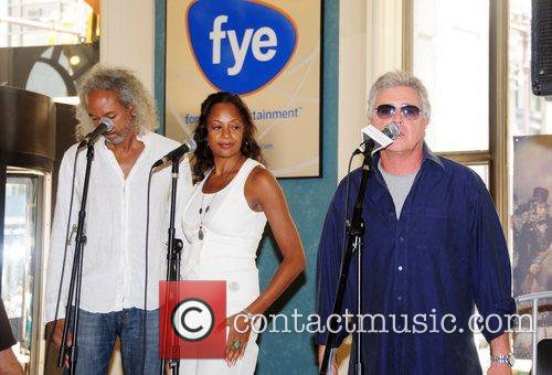 Steve Tyrell performes at FYE Record Store to...