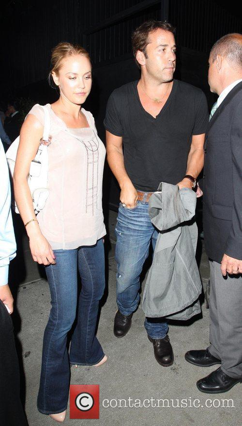 Jeremy Piven and His Girlfriend Get Into A Heated Argument With A Security Gaurd About Getting Into Stk Restaurant