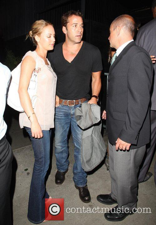 Jeremy Piven and His Girlfriend Get Into A Heated Argument With A Security Gaurd About Getting Into Stk Restaurant 7