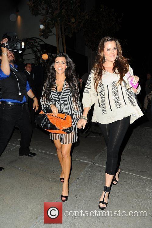 Kourtney Kardashian and Khloe Kardashian 4