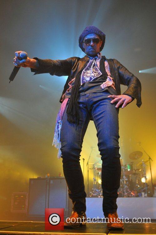 Singer Scott Wieland of The Stone Temple Pilots...