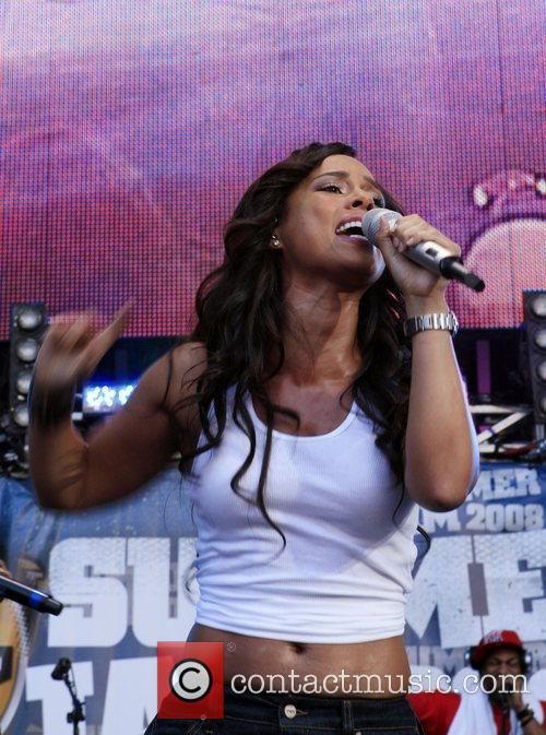 Alicia Keys and Giants Stadium 11