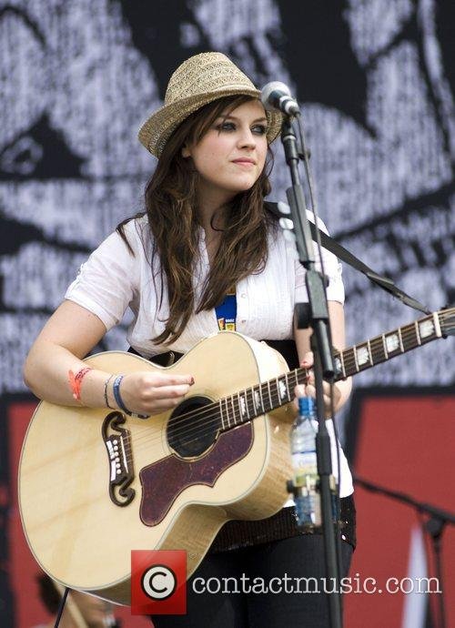 Amy MAcdonald 2008 T in the Park music...