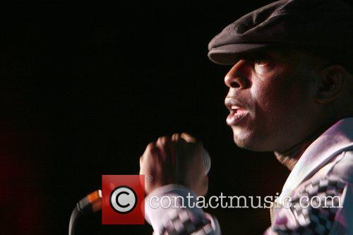 Performs at the Rock for Dafur Concert Series...