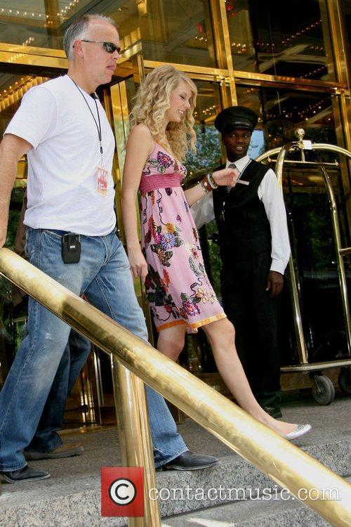 Taylor Swift and Manhattan Hotel 2