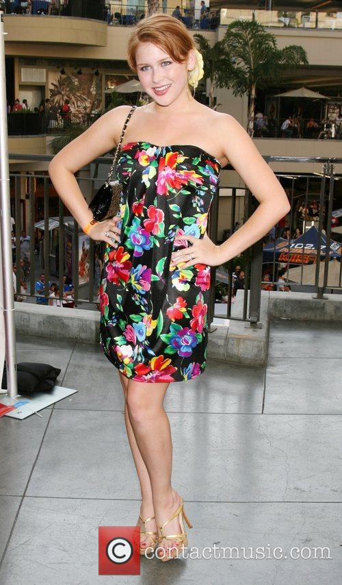Renee Olstead  The 'Do Something Awards', the...