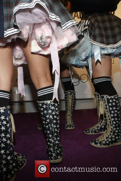 Harajuku Girls and Vanity Fair 1