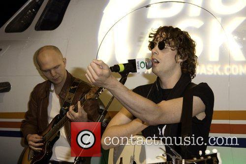 Johnny Borrell 6