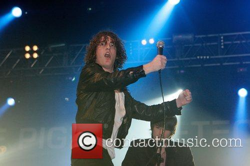 The Pigeon Detectives and Brixton Academy 7