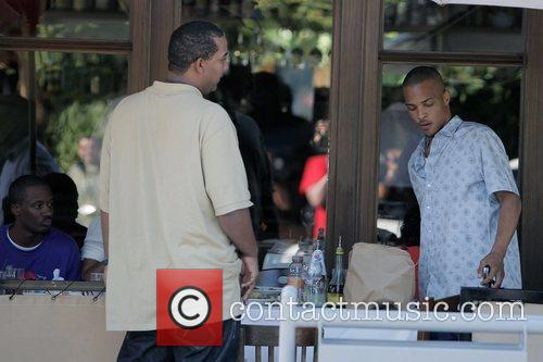 T.I. having lunch at Il Pastaio restaurant in...
