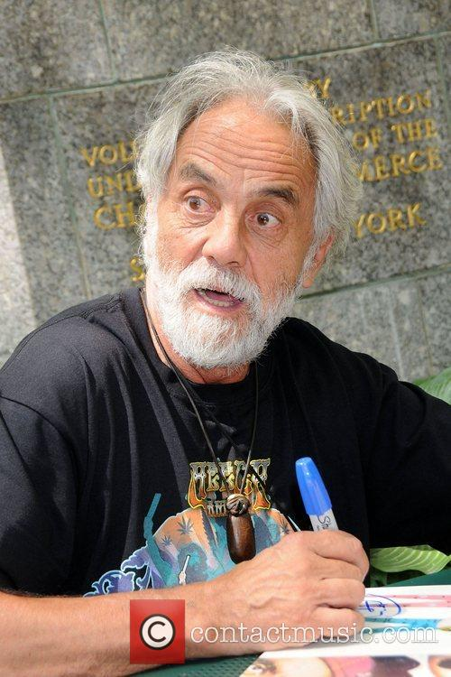 Tommy Chong discusses and signs his new book...