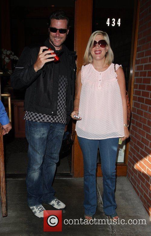 Dean McDermott and Tori Spelling 3