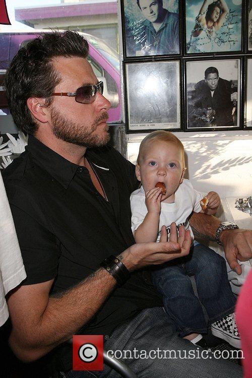 Dean Mcdermott and Son Liam Mcdermott 1