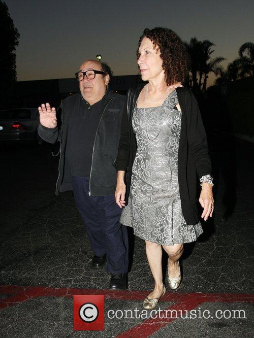 Danny Devito and Rhea Perlman At Tra Di Noi Resaurant In Cross Creek 2