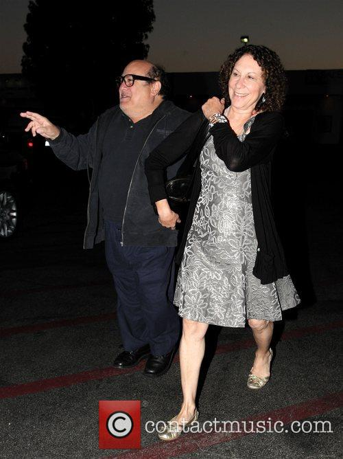 Danny Devito and Rhea Perlman At Tra Di Noi Resaurant In Cross Creek 4