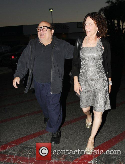 Danny Devito and Rhea Perlman At Tra Di Noi Resaurant In Cross Creek 7
