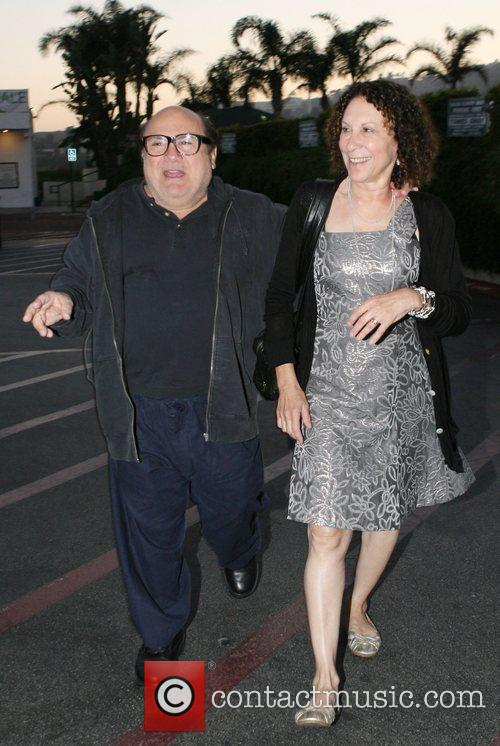 Danny DeVito and Rhea Perlman at Tra Di Noi Resaurant in Cross Creek 8