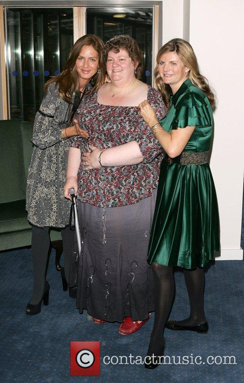 Trinny and Susannah visit the Princess Alice Hospice...