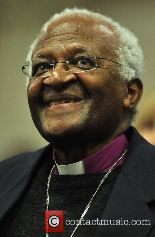 Archbishop Desmond Tutu calls on church leaders to...