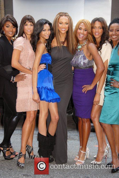 Toccara Jones, Veronica Webb, Chanel Iman, Tyra Banks,...