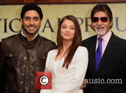 Abhishek Bachchan, Aishwarya Rai and The Unforgettable Tour 7