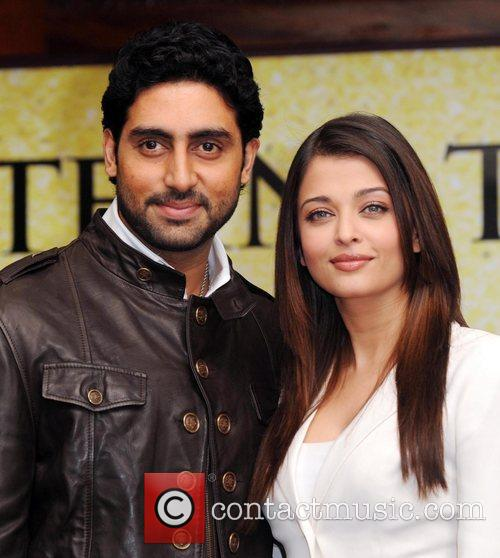 Abhishek Bachchan, Aishwarya Rai and The Unforgettable Tour 3