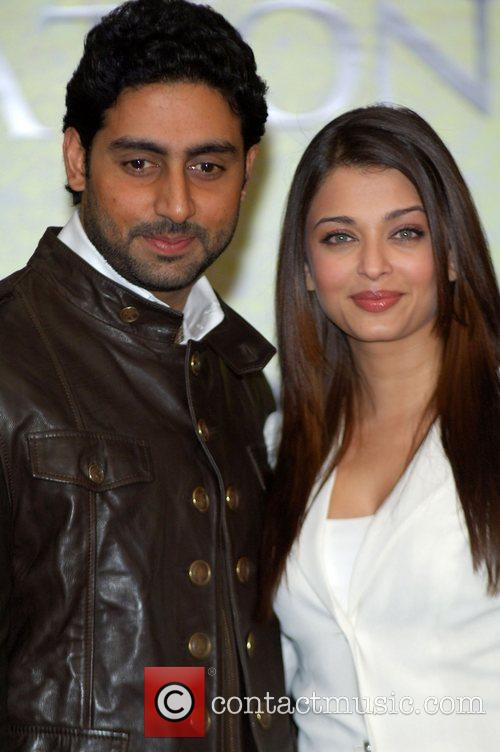 Abhishek Bachchan, Aishwarya Rai and The Unforgettable Tour 11