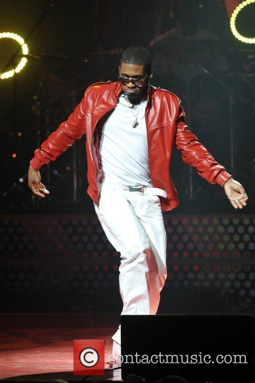 Usher performs live in concert at the Apollo...