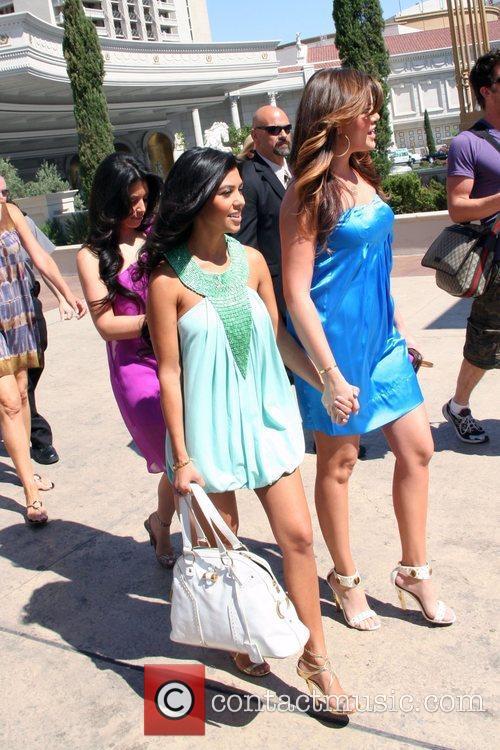 Kim Kardashian, Khloe Kardashian, Kourtney Kardashian, Caesars Palace