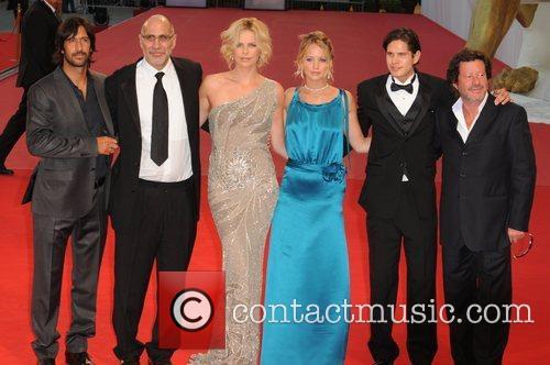 Jennifer Lawrence, Joaquim de Almeida, Charlize Theron,...