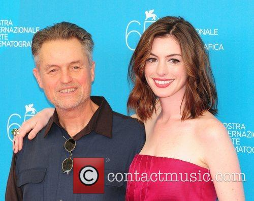 Anne Hathaway and Jonathan Demme 5