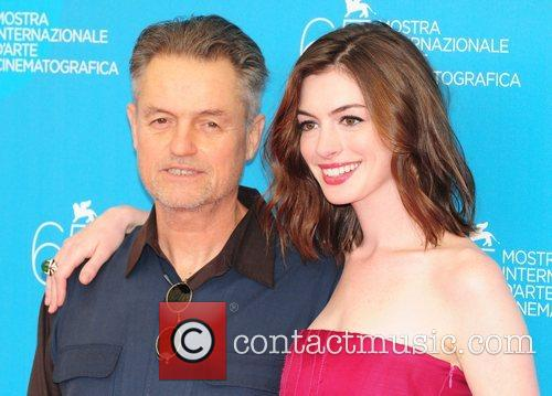 Jonathan Demme and Anne Hathaway 3