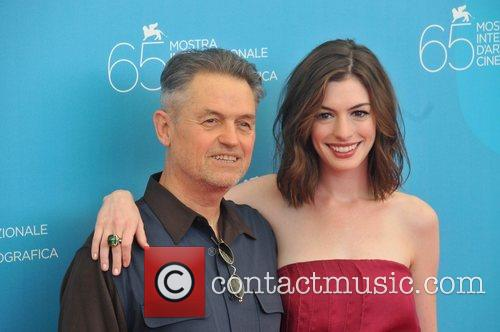 Jonathan Demme and Anne Hathaway 5