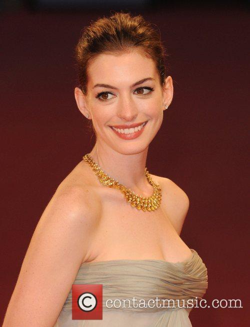Anne Hathaway 19
