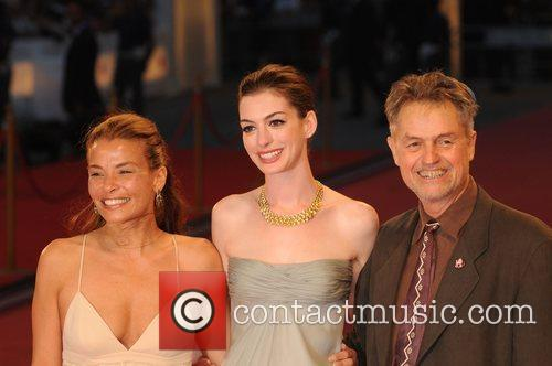 Jenny Lume and Anne Hathaway 2