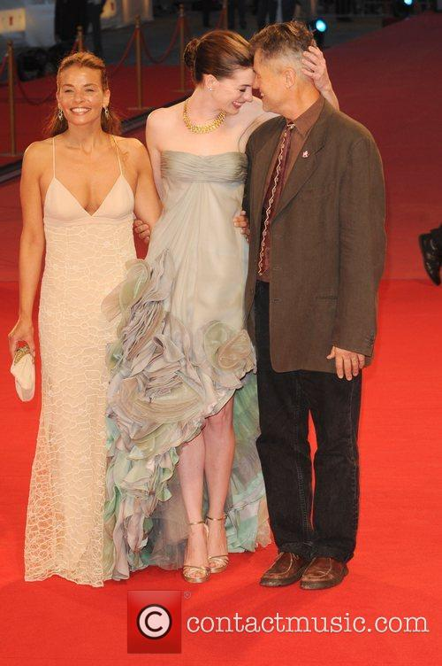 Jenny Lume and Anne Hathaway 3