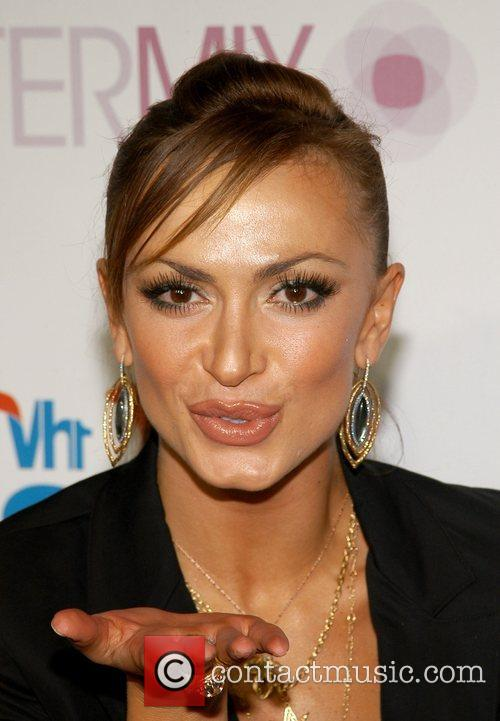 Karina Smirnoff and Vh1 3