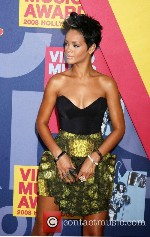 Rihanna and Mtv 1